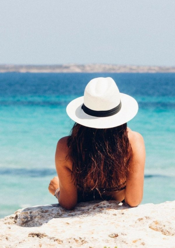 9 Essential Beauty Products for Travel